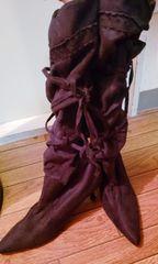 クシュクシュスエード調リボン編み上げブラックブーツ