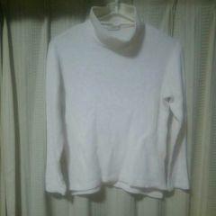 イロコイiroquoisタートルネックニットサイズ2オフホワイトアイボリー日本製セータードメスティック服