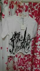 白色系Tシャツ新品タグ付きシワあり。多少黄ばみあり。ジプシーブルー。