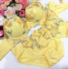 男性様歓迎☆ C75M 刺繍黄色 ブラ&パンティ&Tバック 女装