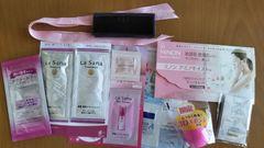 モバオクで買える「シャンプーリンス、ファンデなど試供品+Diorリボン小物入」の画像です。価格は50円になります。