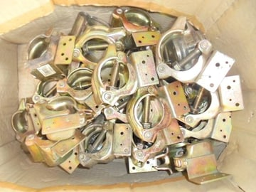 単管パイプ 垂木止めクランプ φ48.6直交型固定44個新品未使用品