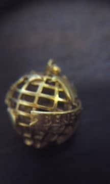 BENETTON 地球儀 K18 ペンダントトップ 中古品