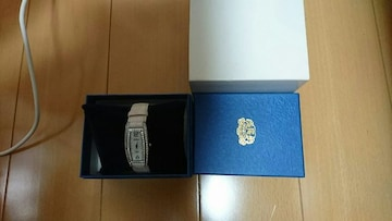 GRANDEUR.ピンクの、キラキラ時計.R.2・6・14.新電池交換.未使用品です