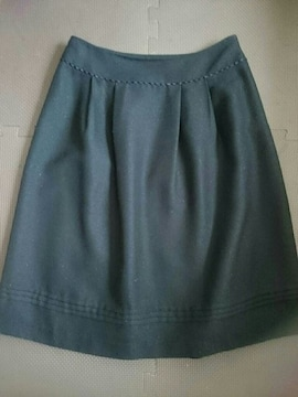 anySiS☆ひざ丈スカート★ふんわりタック入り☆ブラック★