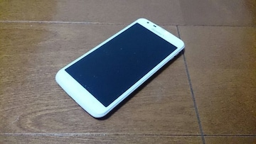 即落/即発!!新品未使用 SH-06E AQUOS PHONE ZETA ホワイト