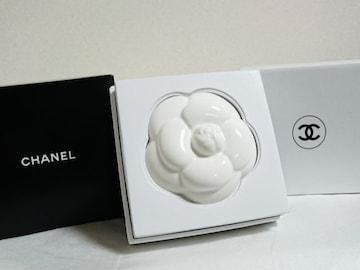 正規未 非買 CHANELシャネル カメリア ペーパーウェイト白 プレゼント 置物 花 箱