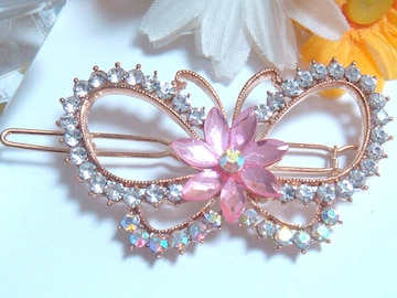 可愛い蝶デザインのヘアピン