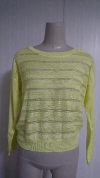 春にピッタリ!薄手のセーター