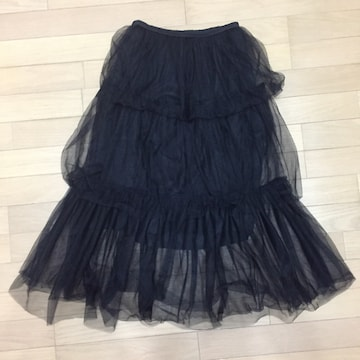 透け感が素敵な3段チュールスカート ブラック