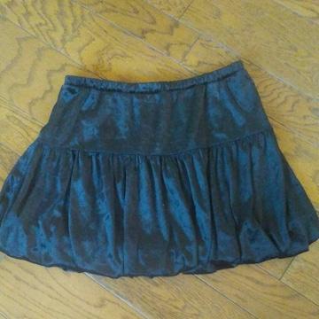 emu ブラック ミニスカート 美品 バルーン 総丈34