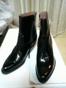 レザーヒールブーツエナメル黒ブラックサイドジップ