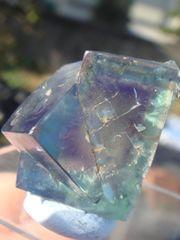 強蛍光フローライト<紫ゾーニング有り>ブルーサークル採石場T101