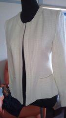 春物 オフホワイト ツウィードノーカラージャケット 美品9号春物