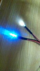 LEDヘッドライトやテールなどに。3ミリ砲弾一球タイプLED