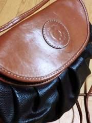 【在庫セール・値下げ】ミラショーン革製ショルダーバッグ(黒)