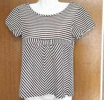 美品、CROLLA(クローラ)のTシャツ