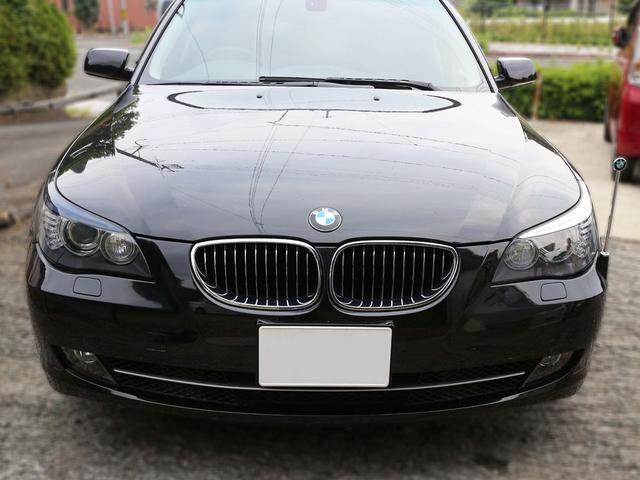 Tint+再使用できるスモークフィルム BMW E60/E61後期 ヘッドライト 用 T1 < 自動車/バイク