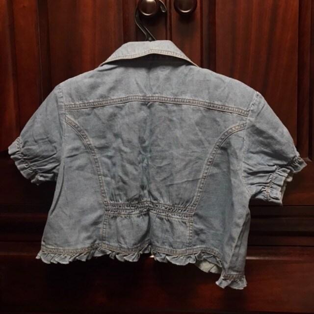 新品 デニムコンパクトジャケット 半袖デニム サイズ38 フリル < 女性ファッションの