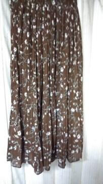 未使用 花柄プリーツ ロングプリーツ  スカート ブラウン Wゴム