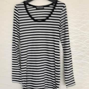 白&黒Tシャツ Mサイズ送料無料