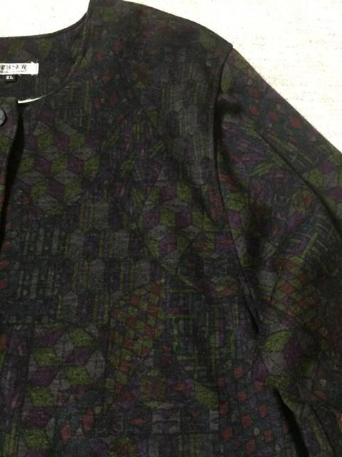 604.新品☆幾何学柄  袖リブジャケット☆サイズX L < 女性ファッションの