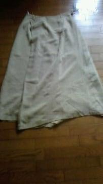 巻きスカート風のデザインの新品、たぐ付きです。