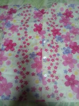 ☆新柄薄クリーム色×桜柄ダボシャツ150