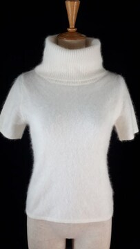 381★ラストシーン★暖かいアンゴラ使用セーター★