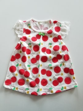 白にさくらんぼ柄の袖なしTシャツ95